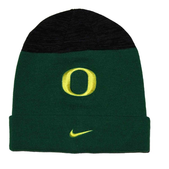 a6afeabe84f Mens Nike Oregon Ducks Skull Cap Hat Beanie